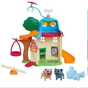 Disney Puppy Dog Pals Doghouse Playset
